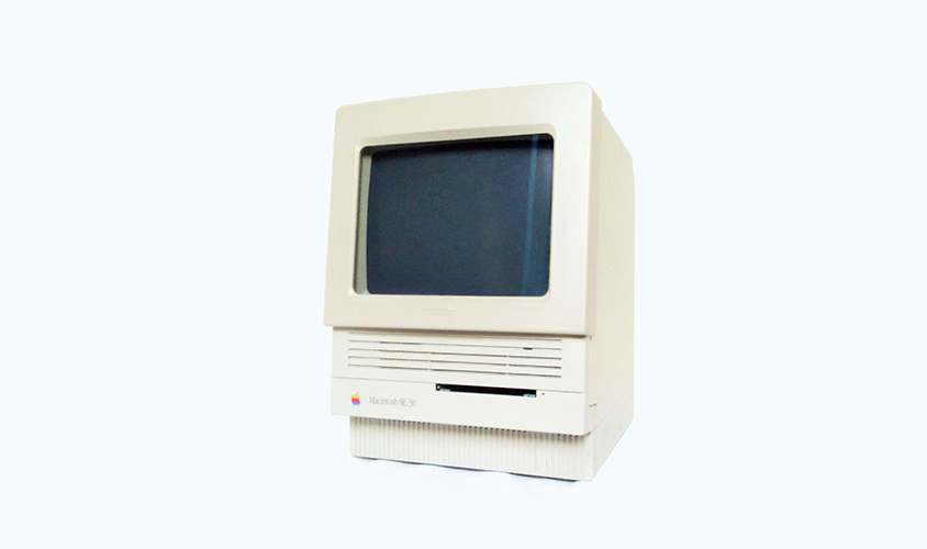 macintosh se/30 with compact mac screen filter